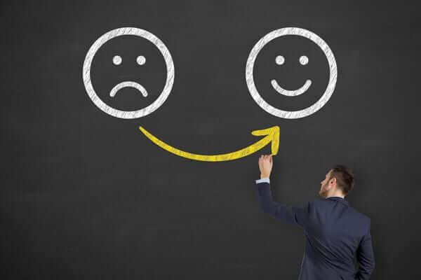 Học cách kiềm chế cảm xúc trong giao tiếp