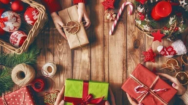 tặng quà thường xuyên