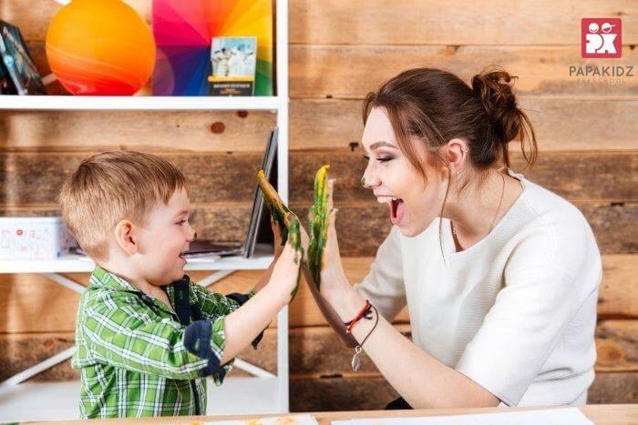 dạy trẻ biết kiềm chế cảm xúc - thưởng phạt phân minh